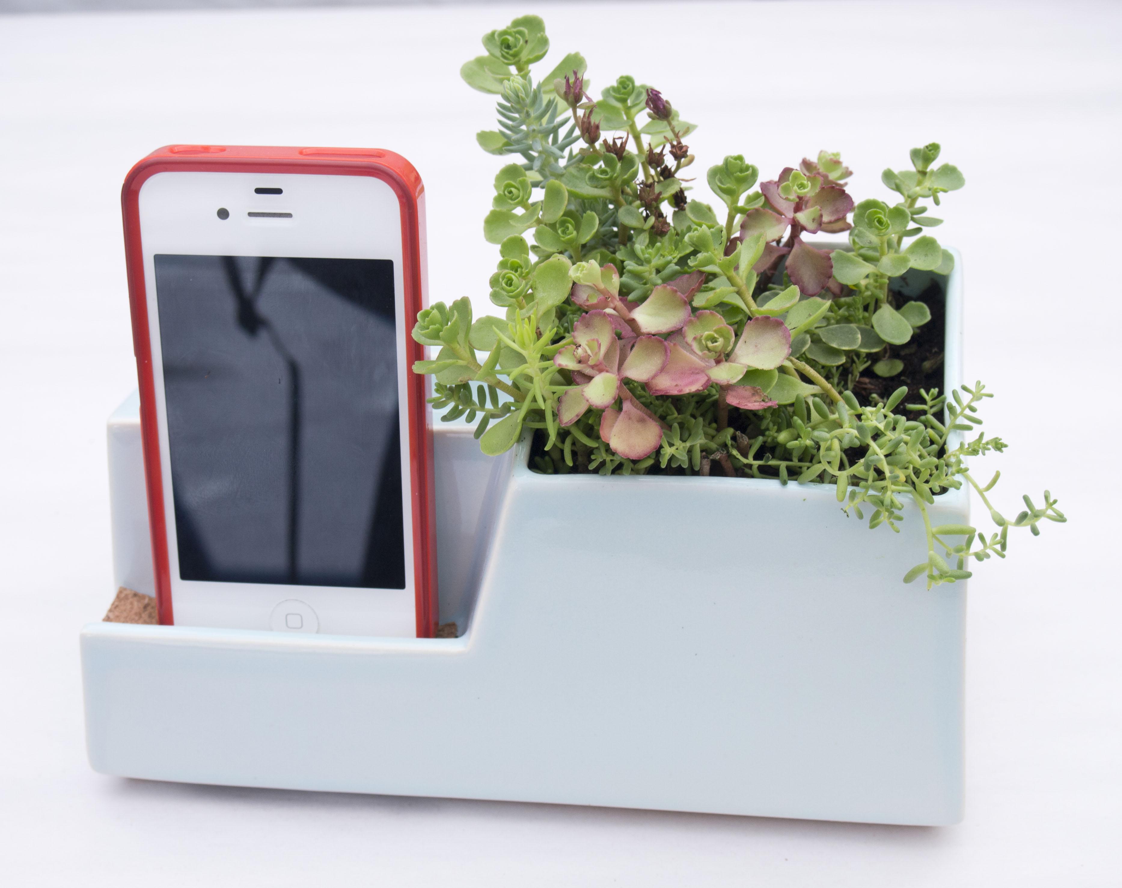 STAK Ceramics Phone Dock